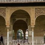 Estanque en el Palacio del Partal. La Alhambra,UNESCO. Ciudad de GRANADA. Andalucia. España