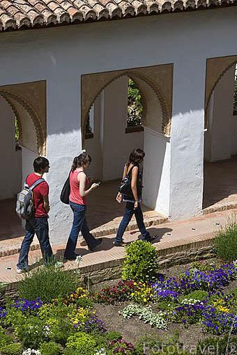 Patio de la Acequia y fuentes. Palacio del Generalife. La Alhambra, UNESCO. Ciudad de GRANADA. Andalucia. España
