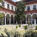 Patio del edificio del Ayuntamiento. Ciudad de GRANADA. Andalucia. España