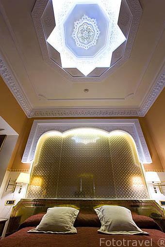Habitación suite. Interior del hotel Alhambra Palace. En Plaza de Arquitecto Garcia de Paredes 1.GRANADA. Andalucia. España