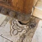 Gorronera sosteniendo una puerta. Palacio de Comares. Palacios Nazaries. La Alhambra, UNESCO. Ciudad de GRANADA. Andalucia. España