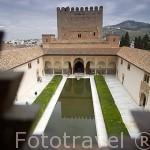 Patio de los Arrayanes desde la fachada sur del Palacio de Comares. La Alhambra, UNESCO. GRANADA. Andalucia. España