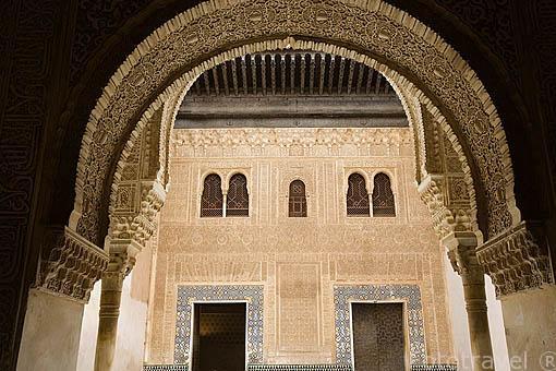 Fachada del Palacio de Comares. Edificada en epoca del sultan Muhammad V en 1370 con motivo de la conquista de Algeciras. La Alhambra, UNESCO. GRANADA. Andalucia. España