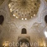 Sala de Dos Hermanas y cúpula cubierta de mocárabes. La Alhambra, UNESCO. GRANADA. Andalucia. España