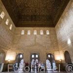 Salón de Comares o de los Embajadores y su artesonado obra hispano musulmana dentro de la torre de Comares. GRANADA. Andalucia. España