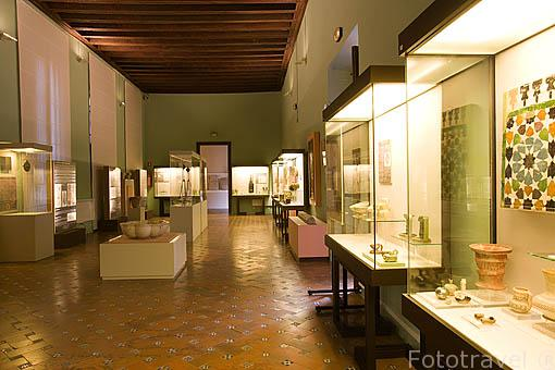 Vitrinas. Museo Arqueologico y Etnografico, Casa Castril. Ciudad de GRANADA. Andalucia. España