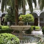 Patio de la Antigua Capitania General, actual sede del MADOC. Originalmente fue el Convento San Francisco Casa Grande. S.XVI-XVII. Ciudad de GRANADA. Andalucia. España
