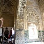 Mirador de Lindaraja y visitantes. La Alhambra, UNESCO. Ciuda de GRANADA. Andalucia. España