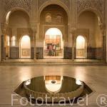 Patio del Cuarto Dorado. Junto al Palacio de Comares, edificado por el Sultán Muhammad V, en 1370. La Alhambra, UNESCO. Ciuda de GRANADA. Andalucia. España