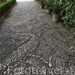 Detalle empedrado del suelo de los Jardines Altos. Palacio del Generalife. La Alhambra, UNESCO. Ciudad de GRANADA. Andalucia. España