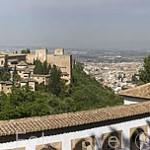 Vista de la ciudad de GRANADA desde el Palacio del Generalife. A la izquierda La Alhambra, UNESCO. Andalucia. España
