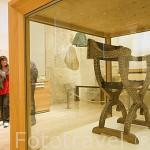 Silla Jamuga del periodo Nazari,S.XIV. Alhambra. Museo de la Alhambra. Ciudad de GRANADA. Andalucia. España
