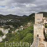 Palacio de Carlos V, al fondo y la Plaza de los Aljibes desde la Torre del Cubo (s.XVI). La Alhambra, UNESCO. GRANADA. Andalucia. España