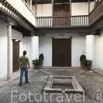 Patio. Casa del Chapiz. Escuela de Estudios Arabes. Barrio del Albaycin. Ciudad de GRANADA. Andalucia. España