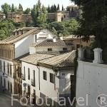 Cuesta del Chapiz. Al fondo la Alhambra. Barrio del Albaycin. Ciudad de GRANADA. Andalucia. España