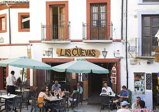 Plaza de San Gregorio y terrazas. Barrio del Albaycin. Ciudad de GRANADA. Andalucia. España