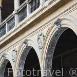 Patio porticado. Hospital San Juan de Dios. Renacimiento- Barroco. s. XVII-XVIII. Arquitecto José de Bada y Navajas. Ciudad de GRANADA. Andalucia. España