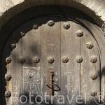 Aldaba y puerta en la cuesta del Chapiz. Ciudad de GRANADA. Andalucia. España