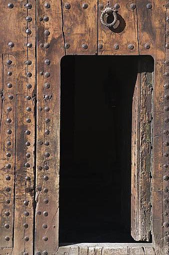 Puerta y aldaba. Palacio de los Cordova. Cuesta del Chapiz. Barrio del Albaycin. Ciudad de GRANADA. Andalucia. España