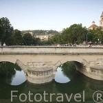 Puente Blanco sobre el río Genil. Ciudad de GRANADA. Andalucia. España