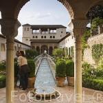 Patio de la Acequia, recorrido longitudinalmente por la acequia Real. Jardines del Palacio del Generalife. La Alhambra,UNESCO. Ciudad de GRANADA. Andalucia. España