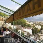 Vistas sobre la ciudad de GRANADA y el barrio del Realejo desde el Hotel Alhambra Palace. Andalucia. España