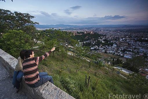 Ciudad de GRANADA desde el Sacromonte. Andalucia. España