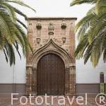 Fachada de la iglesia de San Bartolome. La primera construida extramuros en la ciudad de ANDUJAR. Jaen. Andalucia. España