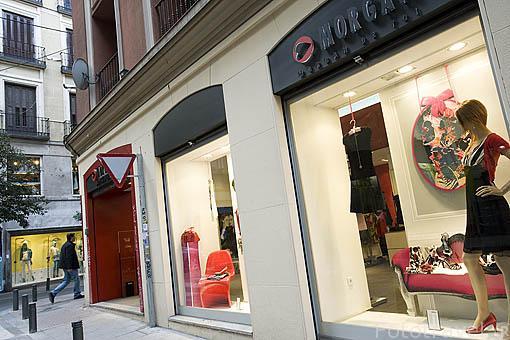 Tienda Morgan junto a la calle de Fuencarral. Madrid. España