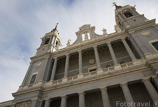 Fachada de la Catedral de la Almudena. MADRID. España