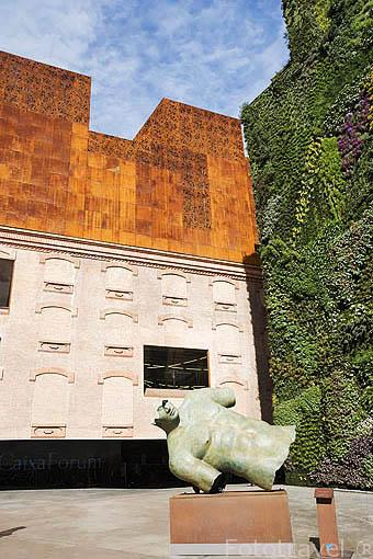 Edificio Fundación la Caixa. Madrid. España
