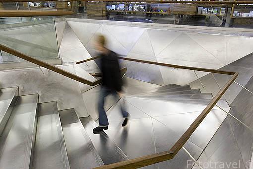 Interior del edificio Fundación la Caixa. Madrid. España