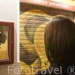 Espejos concavos y convexos en el calle de Alvarez Gato. Madrid. España