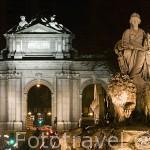 Las Cibeles y la Puerta de Alcala, al fondo. Madrid. España