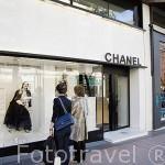 """Calle José Ortega y Gasset. Tiendas de moda en la """"Milla de Oro"""". Madrid. España"""