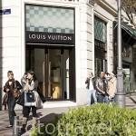 """Tiendas de moda en la """"Milla de Oro"""". Madrid. España"""