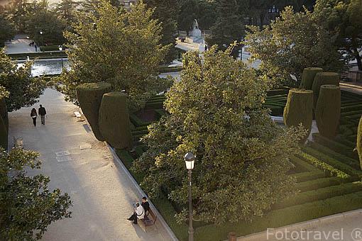Jardines de Sabatini en el Palacio Real. Madrid. España