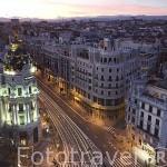 La Gran Via y el edificio Metropolis. Madrid. España