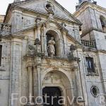 Fachada de la iglesia y palacio.. Pueblo de NUEVO BAZTAN. Comunidad de Madrid. España