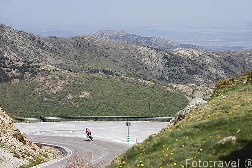 Ciclista. Puerto de la Morcuera. Sierra de Guadarrama. Comunidad de Madrid. España