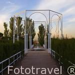 Pabellon y fuente en el jardin islamico. Estancia de las Delicias. Parque Juan Carlos I. Campo de las Naciones. Madrid. España