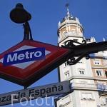 Entrada metro Plaza de España junto a la Gran Via. Madrid capital. Comunidad de Madrid. España