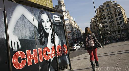 Cartel del espectaculo Chicago junto Plaza de España. Al fondo el final de la Gran Via. Madrid capital. Comunidad de Madrid. España