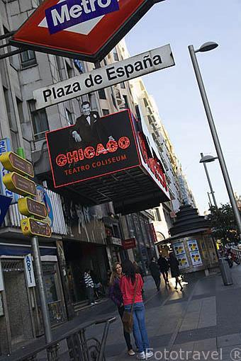 Cartel del espectaculo Chicago. Junto al metro de Plaza de España. En la Gran Via. Madrid capital. Comunidad de Madrid. España