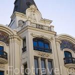 Fachada del un edificio en la calle de Gran Via 21. Madrid capital. Comunidad de Madrid. España