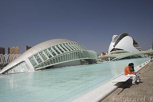 Edificio de L´Hemisferic. Ciudad de las Artes y las Ciencias. Arquitecto Santiago Calatrava. VALENCIA. España