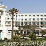 El hotel Las Arenas junto a la playa de El Cabañal. VALENCIA. España