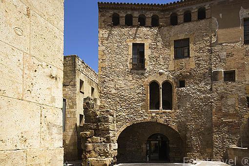 Plaza del Pallol y edificio con la maqueta de la Tarraco romana en su interior. TARRAGONA. Ciudad Patrimonio de la UNESCO. España