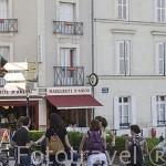 Ciclistas. Ciudad de ANGERS. Región Pays de la Loire. FRANCIA. France