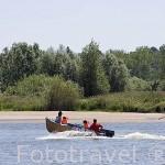 Paseo en barco por el rio Loira cerca de OUDON. Pays des Loire. Francia. France